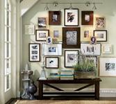 Как правильно лучше разместить картину на стене?